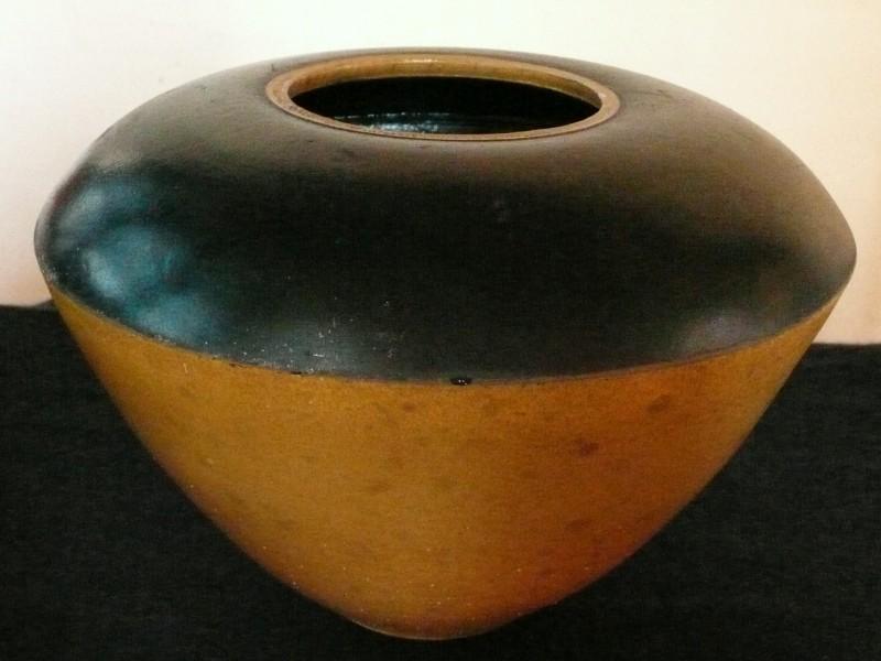 Jens Hostrup: Gul-sort krukke
